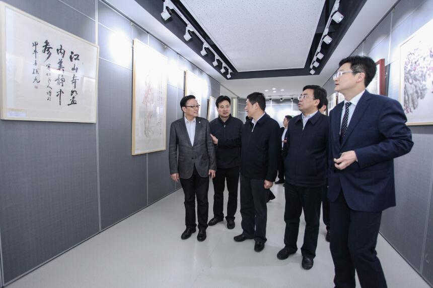 江苏省中国画学会美术教育基地在南京市宁海中学挂牌